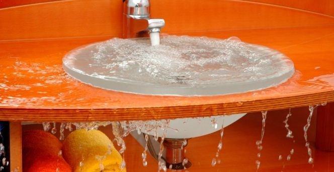 Inilah 2 Cara Mudah Untuk Hilangkan Kerak Kotoran Pada Sinki. Jom Cuba!