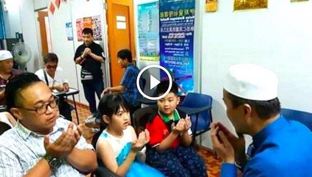 Satu Keluarga Cina Masuk Islam Di Rawang. Ini Puncanya. SUBHANALLAH.