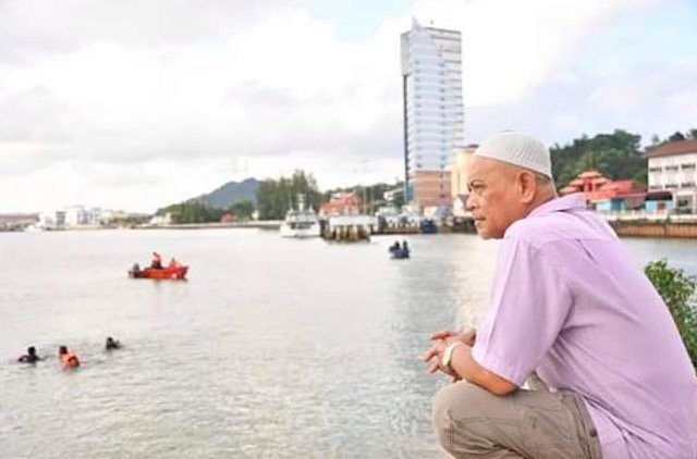 Mayat Hero Abdul Bari Akhirnya Ditemui 2.5KM Dari Lokasi . AL FATIHAH.