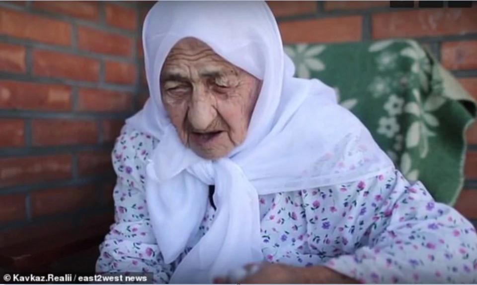 """Wanita Islam Tertua Di Dunia Meninggal Dunia Dalam Keadaan Ramai """"Cemburu""""."""