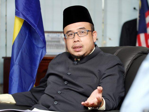 Aktiviti Masjid Ditangguhkan Kelab Malam Tak Tangguh. Ini Jawapan Dr Maza.