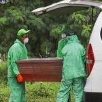 Covid-19: Van Jenazah Patah Balik Sebab Dihalang Oleh Orang Kampung Ketika Ke Kubur.