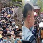 Ini Sebabnya Kenapa Puluhan Ribu Rakyat China Serbu, Berhimpit-Himpit Selepas Tamat Perintah Berkurung