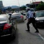 Polis Terpaksa Tembak Tayar Kereta. Ini Yang Dijumpai Dalam Kereta. Ada Video.