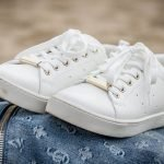 Tips Putihkan Kasut Yang Kekuningan Yang Perlu Anda Tahu