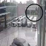 Kanak-Kanak Cedera Parah Tercampak Keluar Dari Kereta Dlm Kemalangan.