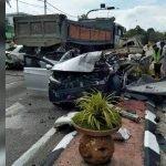 3 Maut Dalam Kemalangan Membabitkan 5 Kereta Dan 3 Lori.