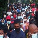 Dakwa Ada Ubat Covid-19, Ribuan Orang Berhimpun Rumah Tukang Kayu