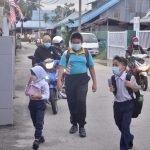Murid Boleh Pilih Kasut Hitam Atau Putih Ke Sekolah Tahun Depan