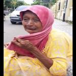 Ditipu Seorang Lelaki, Nenek Menangis Di Tepi Jalan