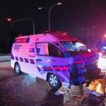 Ambulans Bawa Ibu Hamil Langgar Lori Treler
