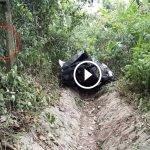 Tengah Bersih Longkang, Petugas Highway Terkejut Temui Sesuatu. Ada VIDEO.