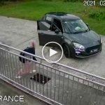 (Video) Rakaman Dari CCTV Buat Ramai Sangka Wanita Diculik, Rupanya-Rupanya Ini Yang Berlaku