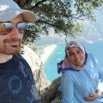 Suami 'Selfie' Sebelum Tolak Isteri Hamil Dari Tebing Bukit. KEJAM.