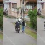 (Video) Polis Sedang Buru Lelaki Yang Meraba Wanita Ketika Tunggang Motosikal