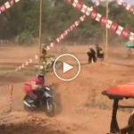 (Video) Netizen Terhibur Tengok Aksi Abang 'Foodpanda' Di Trek 'Motorcross'