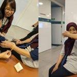 Terpaksa Tamatkan Kontrak, Rakan Pejabat Pakat Hadiahkan Gelang Emas Untuk Mak Cik Cleaner