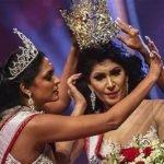 """Pentas Ratu Cantik """"Mrs Sri Lanka"""" Jadi 'Ribut' Bila Bekas Juara Berebut Mahkota Dengan Juara Semasa"""