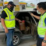 Demi Upah RM30, Seorang Lelaki Sanggup Seludup Minyak