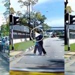 (Video) Tindakan Pemandu Lori Berhentikan Kenderaan Untuk Bantu Lelaki Tua Melintas Jalan Raih Pujian Ramai