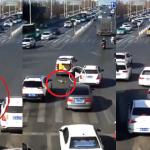 (Video) Mujur Tak Dilanggar Kenderaan Lain, Kanak-Kanak Terjatuh Di Tengah Jalan Dari Minivan