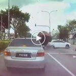 (Video) Pemuda Maut Dalam Kereta Terbalik, Nahas Kemalangan Tiga Kereta