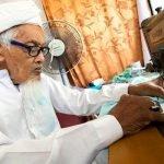 Tukang Jahit Berusia 92 Tahun Semangat Siapkan Tempahan Bagi Musim Aidilfitri