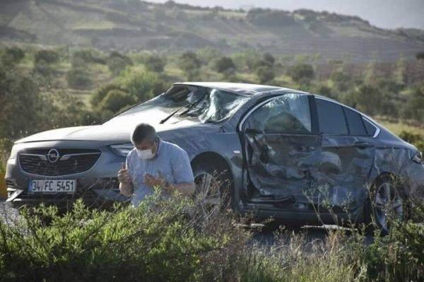 Terselamat Dari Kemalangan, Lelaki Dirikan Solat Dan Sujud Syukur