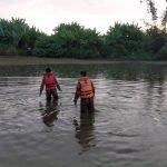Lelaki Indonesia Dikhuatiri Lemas Dalam Lombong Ketika Menangkap Ikan