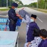 Isteri Anggota Polis Dikompaun RM2,000 Bawa Anak Ziarah Suami Bertugas Di SJR