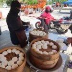 Pasangan Suami Isteri Tampung Kehidupan Dengan Menjual Pau RM1