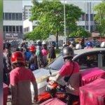 Penghantar Makanan Pukul Pemandu Lori Disebabkan Kemalangan Jalan Raya