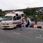 Ambulans Bawa Dua Bayi Terlibat Kemalangan