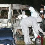 Penduduk Kampung Terkejut Temui Mayat Rentung Dalam Van.