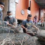 Lapan Beranak Terputus Bekalan Makanan, Hanya Mampu Bakar Lokan Yang Dikutip Belakang Rumah Untuk Isi Perut