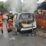 Seorang Lelaki Maut Dalam Kereta Yg Sedang Terbakar.