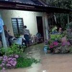 Rumah Dinaiki Air, Warga Emas Khuatir Rumah Dimasuki Buaya Sesat