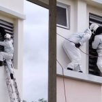 Terperangkap Ketika Cuba Larikan Diri, Wanita Pesakit Covid Diselamatkan Bomba